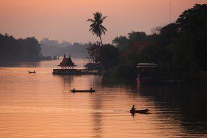 Rafts on Sakae Krang River, Uthai Thani เรือนแพแม่น้ำสะแกกรัง จังหวัดอุทัยธานี